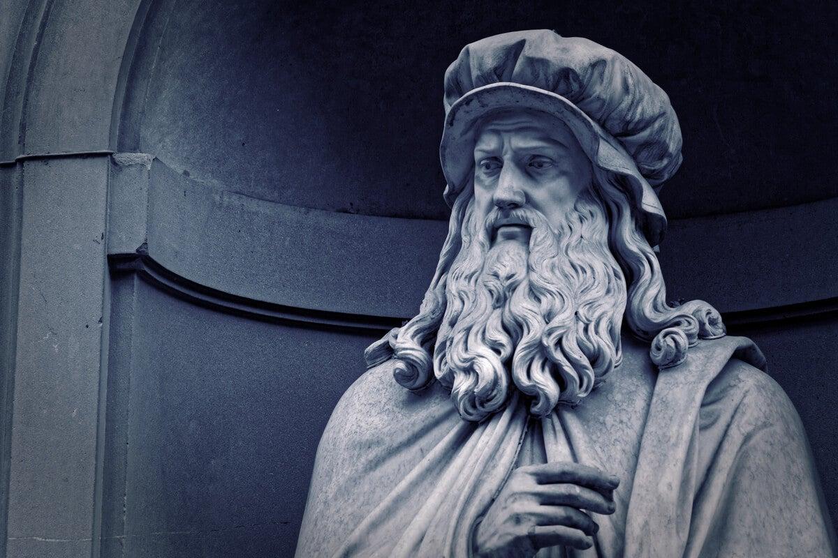 Escultura de Leonardo Da Vinci