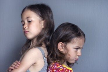 Trabajar los celos infantiles: ¿qué puede pasar si no se hace?