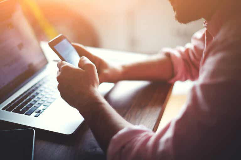 La multitarea con medios digitales puede alterar la memoria, según un estudio