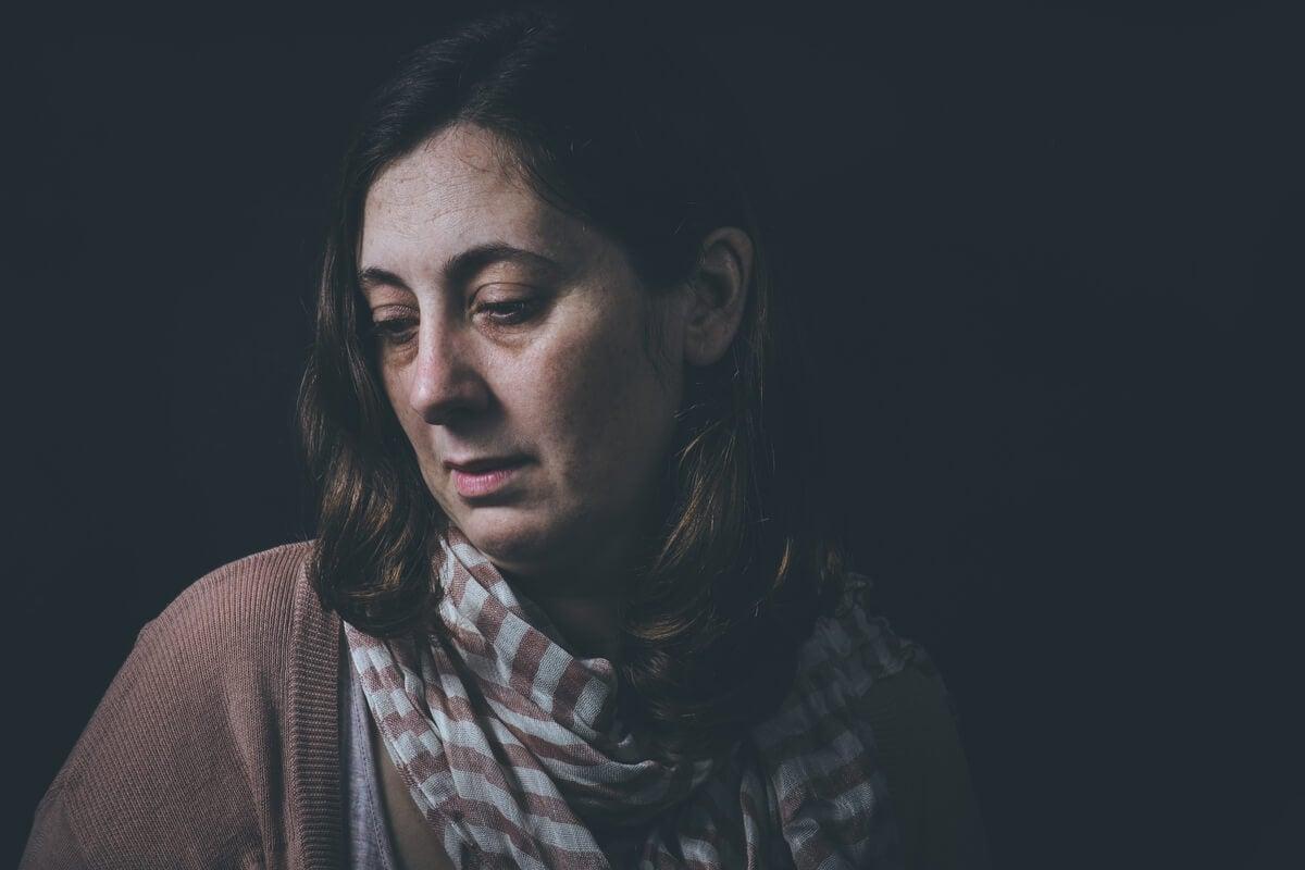 Mujer con personalidad depresiva