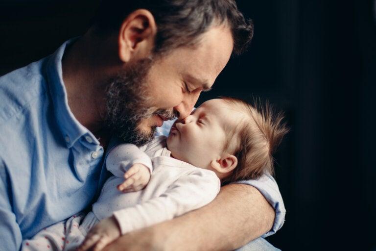 Ser padre produce un cambio en las hormonas