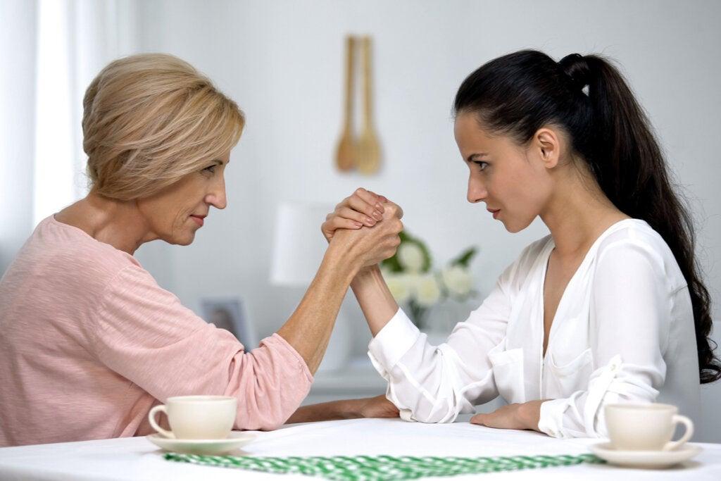 Cómo superar el conflicto entre suegra y nuera