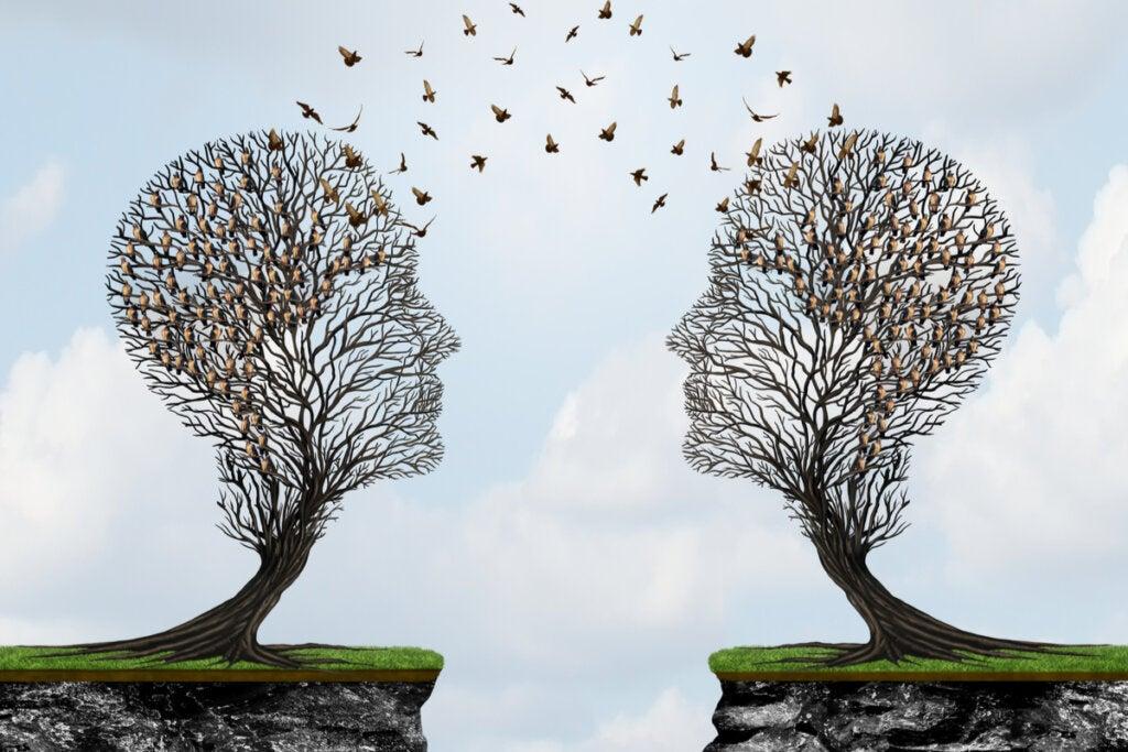 cabezas en forma de árbol representando el pensamiento postformal