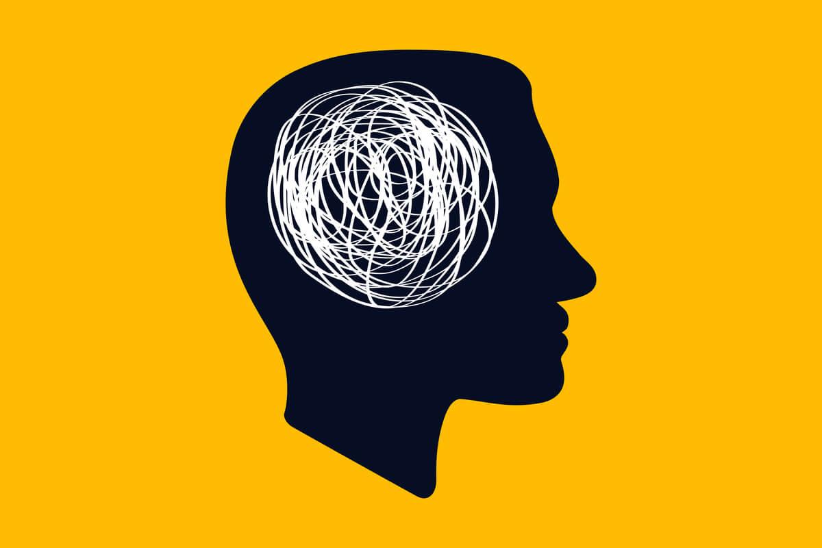 Mente con un hilo enredado representando cómo controlar los pensamientos hipocondríacos