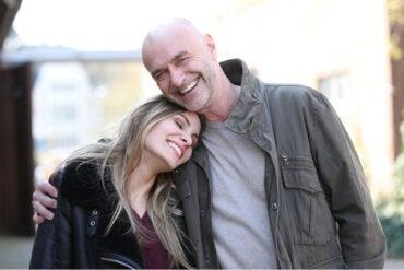 Mi familia no acepta que mi pareja sea mayor que yo