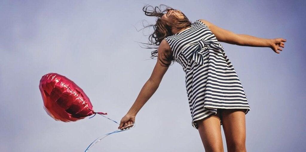 kvinne glad for å vekke din entusiasme