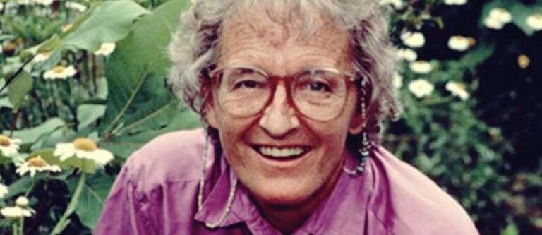 Elisabeth Kübler-Ross: la psiquiatra que nos dio lecciones sobre la muerte