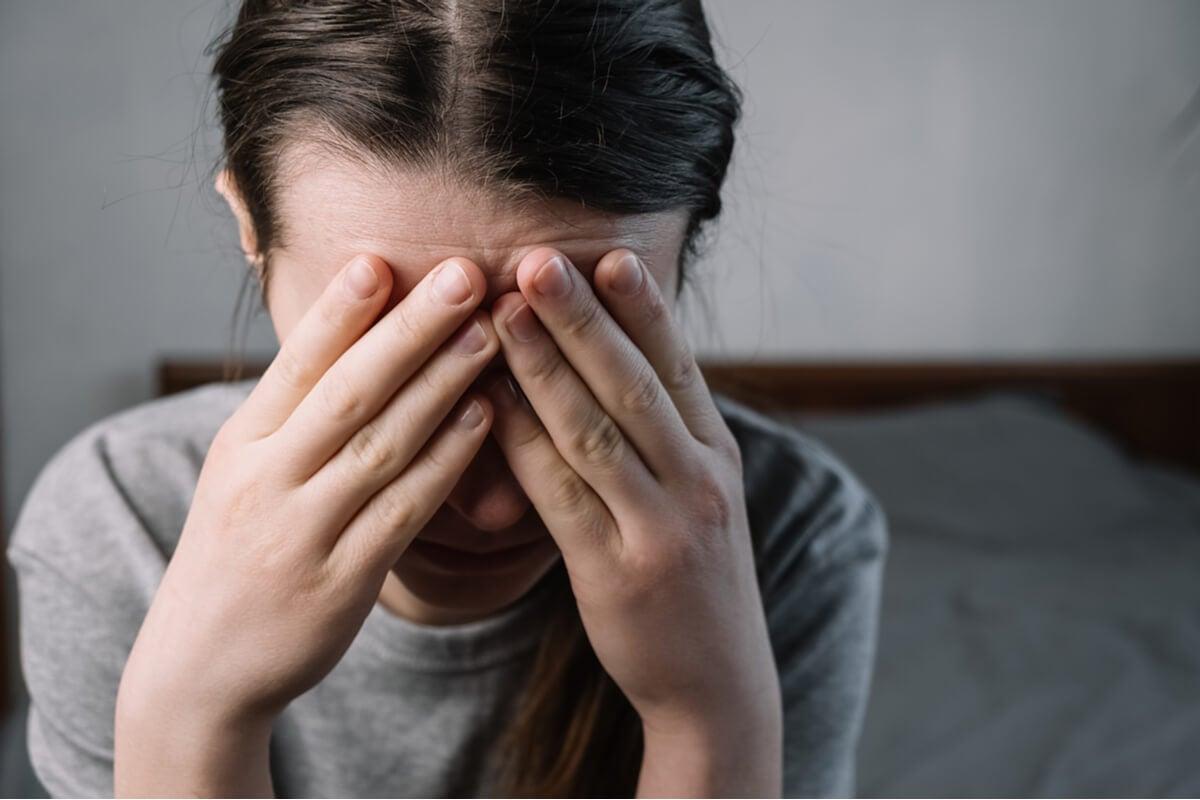 Mujer con estrés crónico