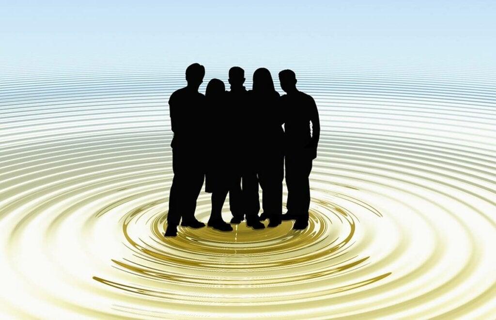 Figuras representando el pensamiento de grupo