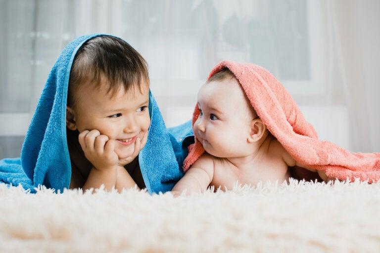 ¿Cómo prevenir los celos entre hermanos?