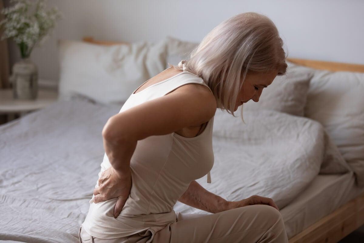 Mujer con dolor crónico