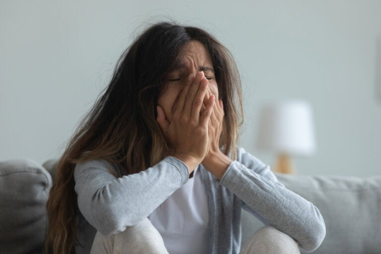 ¿Por qué me siento irritable últimamente? Causas y cómo afrontarlo