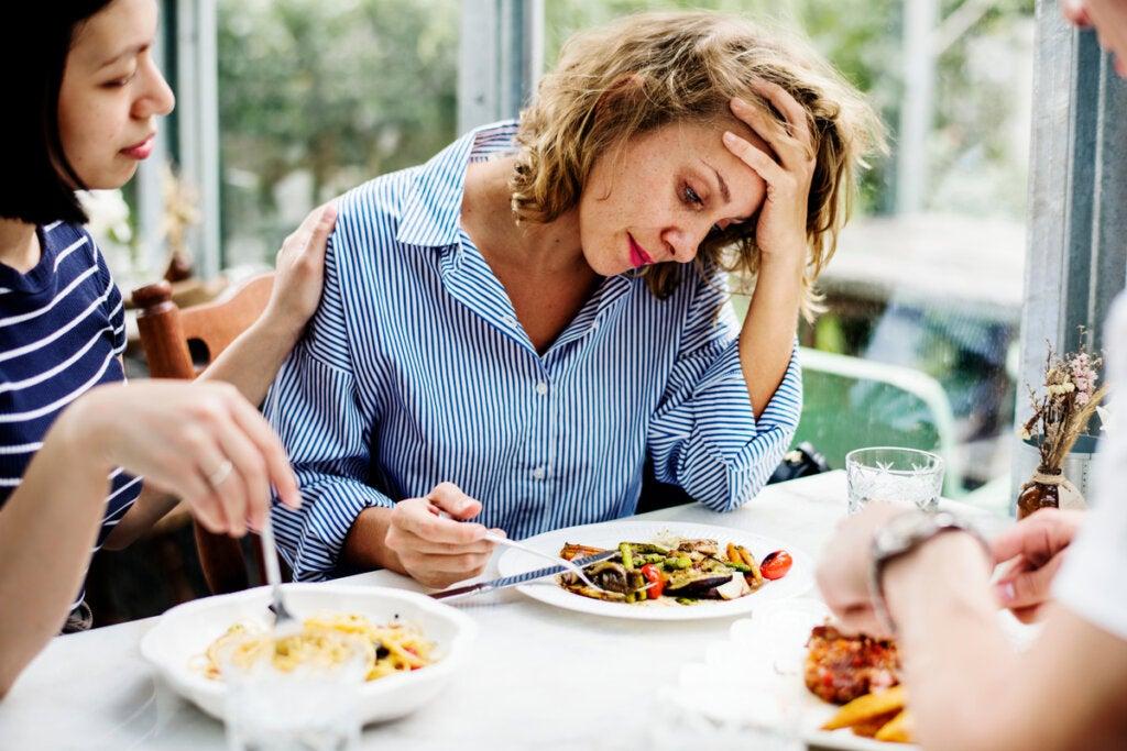 Mujer con pocas ganas de comer