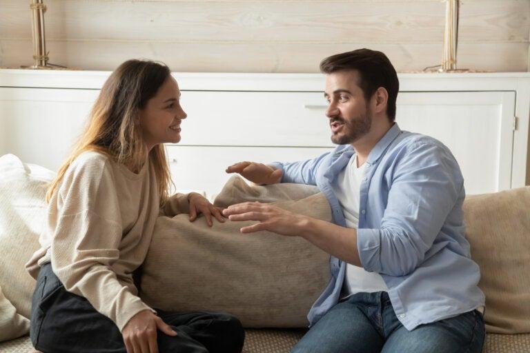 Autodivulgación: qué es y cómo influye en las relaciones
