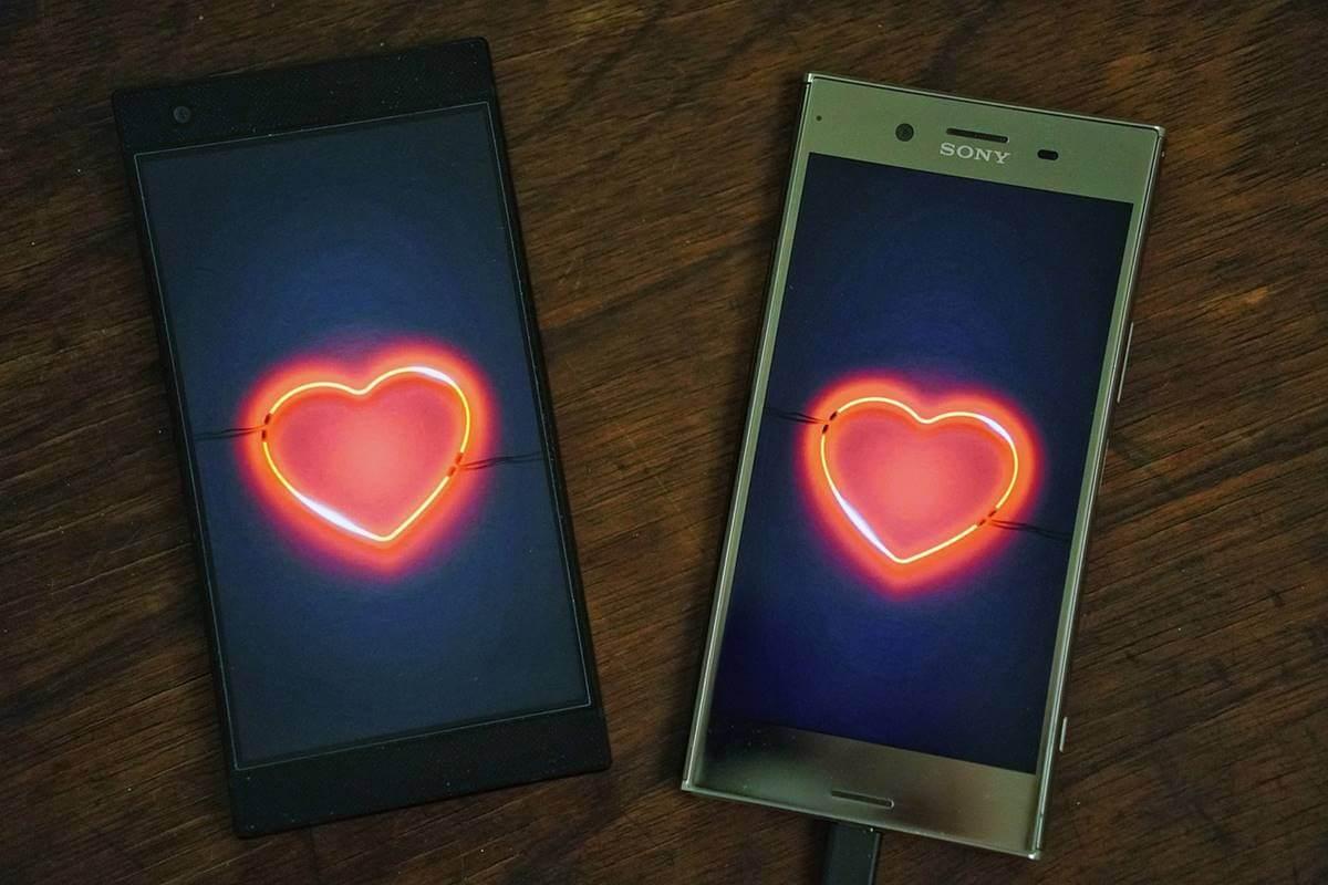 Móviles representando la infidelidad digital