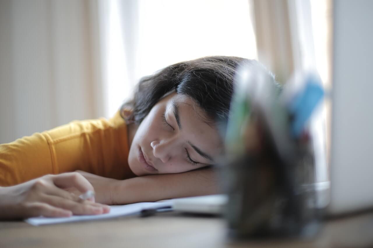 Adolescente con hipersomnia
