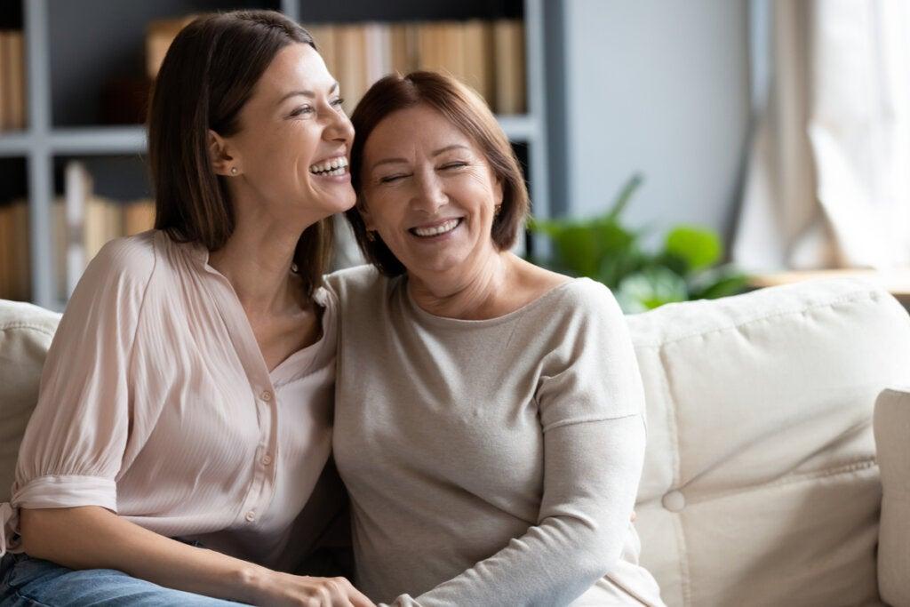 Hija adulta con su madre