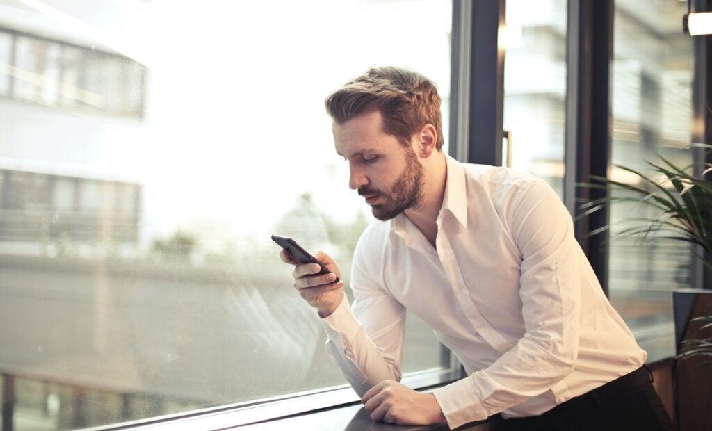 Eine Studie verrät: 70 % der Pornografie werden während der Arbeitszeit konsumiert