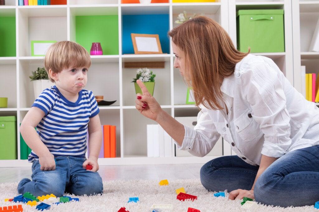 Castigo positivo y castigo negativo: ¿en qué se diferencian y cómo funcionan?
