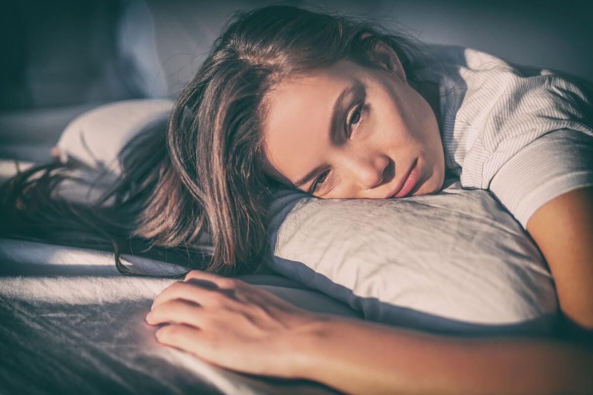 Mujer que padece Apatía y aburrimiento
