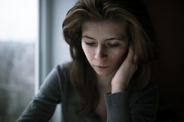 Aislamiento afectivo: separar emociones de los pensamientos