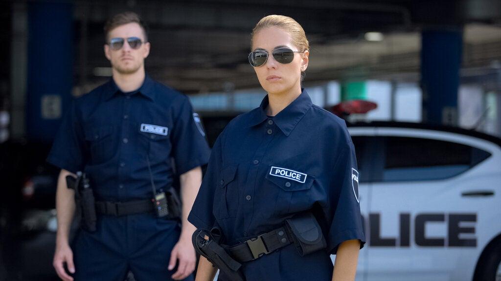 Mantener sexo con un policía es una de las fantasías sexuales más comunes.