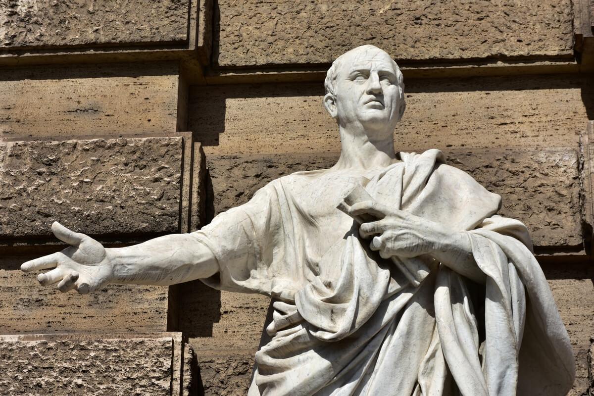 Estatua de Marco Tulio Cicerón