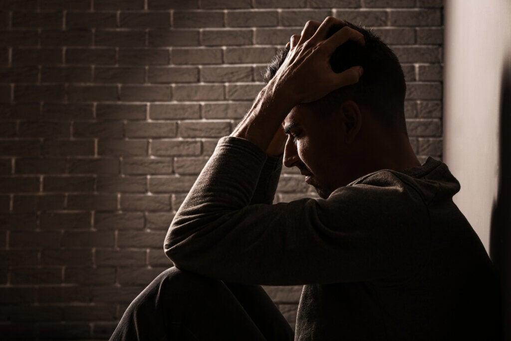 Hombre con angustia vital