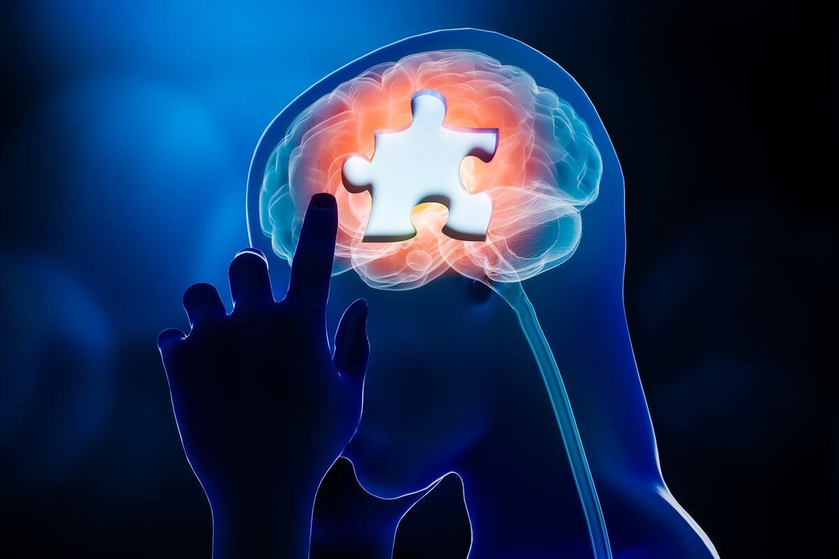 Persona con pieza de puzzle en la cabeza