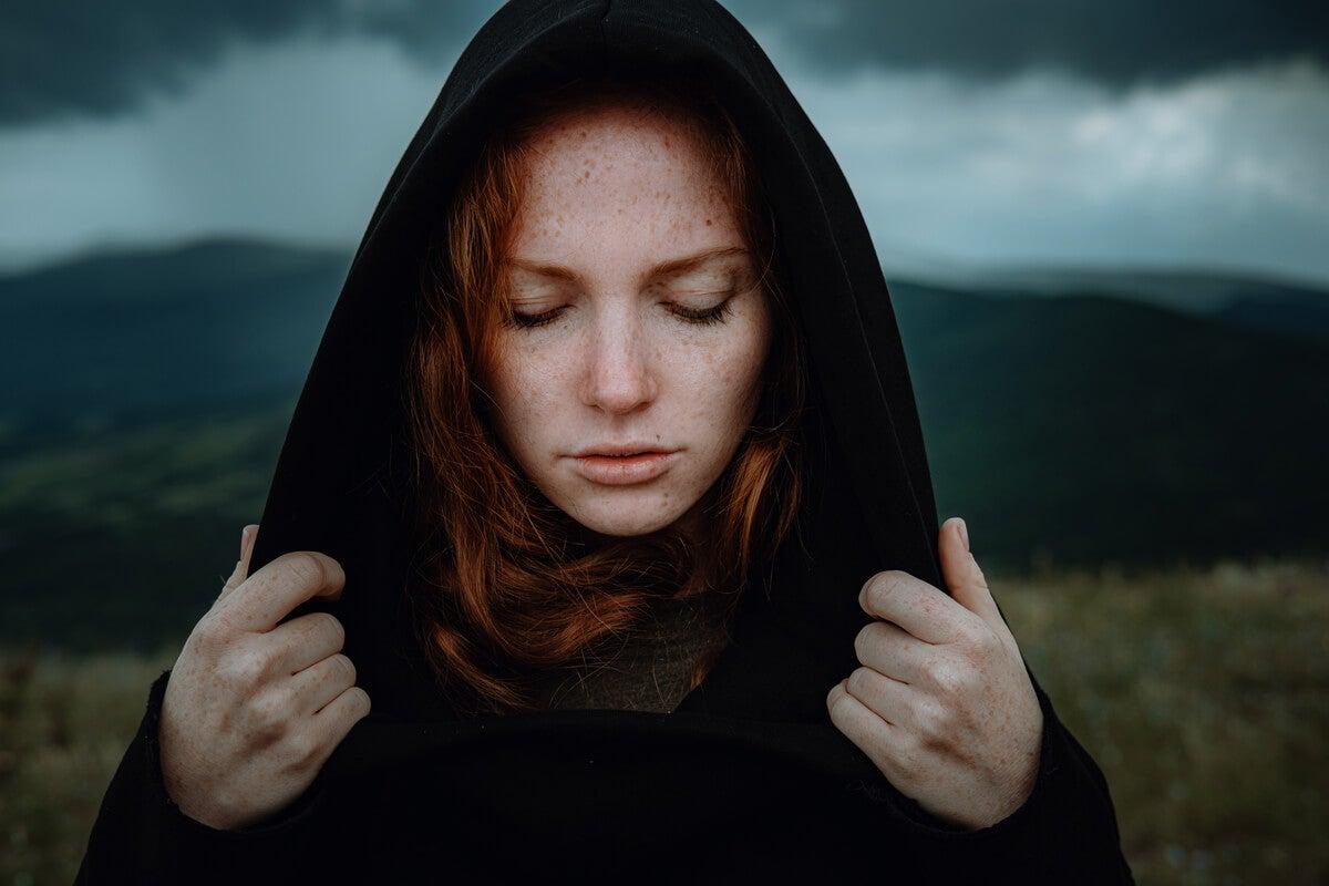 Mujer sintiendo hastío
