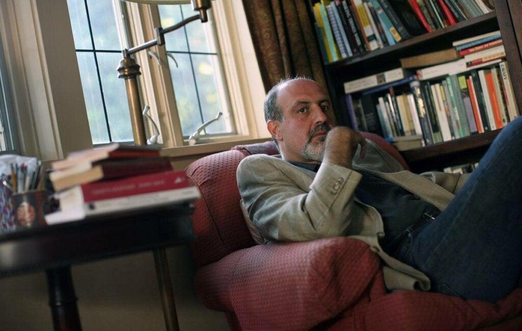 Nassim Taleb autor de teoría del cisne negro