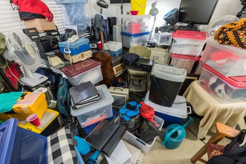 ¿Por qué algunas personas se convierten en acumuladores compulsivos?