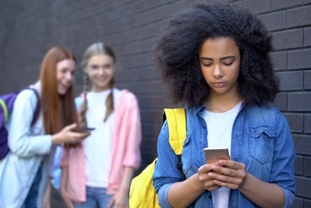 Redes sociales en la adolescencia, ¿cómo gestionar el uso que les dan?