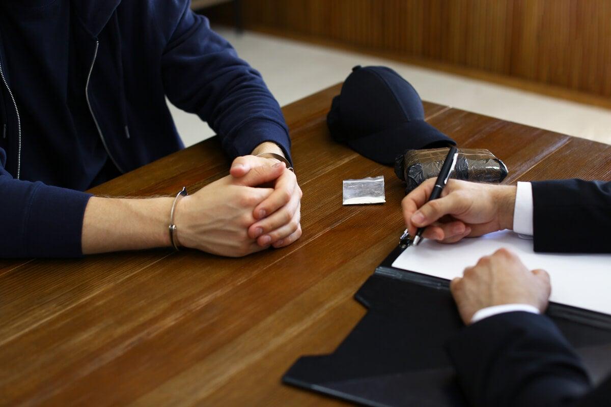 Entrevista para realizar la técnica de la perfilación psicológica forense