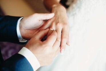 ¿Qué es la bigamia?