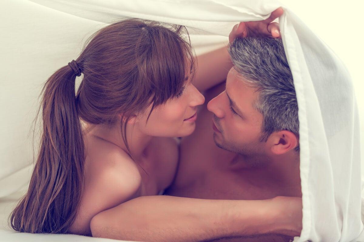 Sexo tántrico: en qué consiste, beneficios y ejercicios