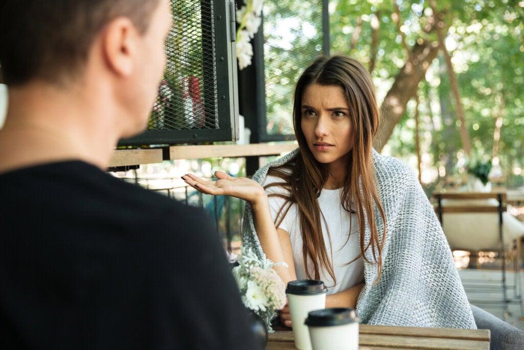 Amnesia relacional: cuando tu pareja olvida cosas importantes