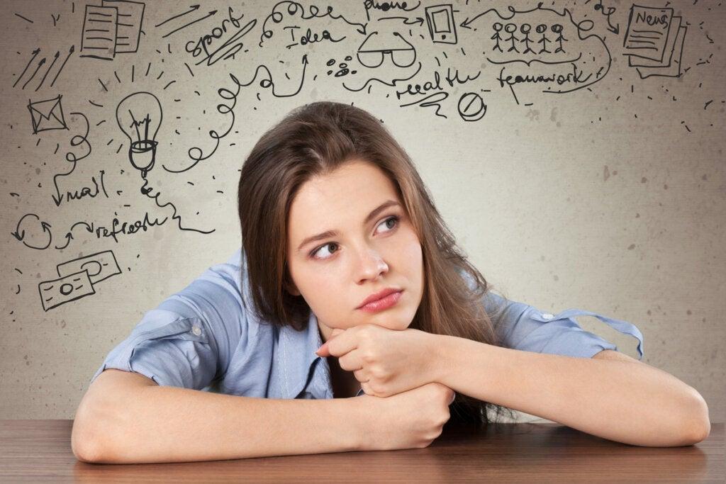 El desarrollo del pensamiento formal (características y ejemplos)