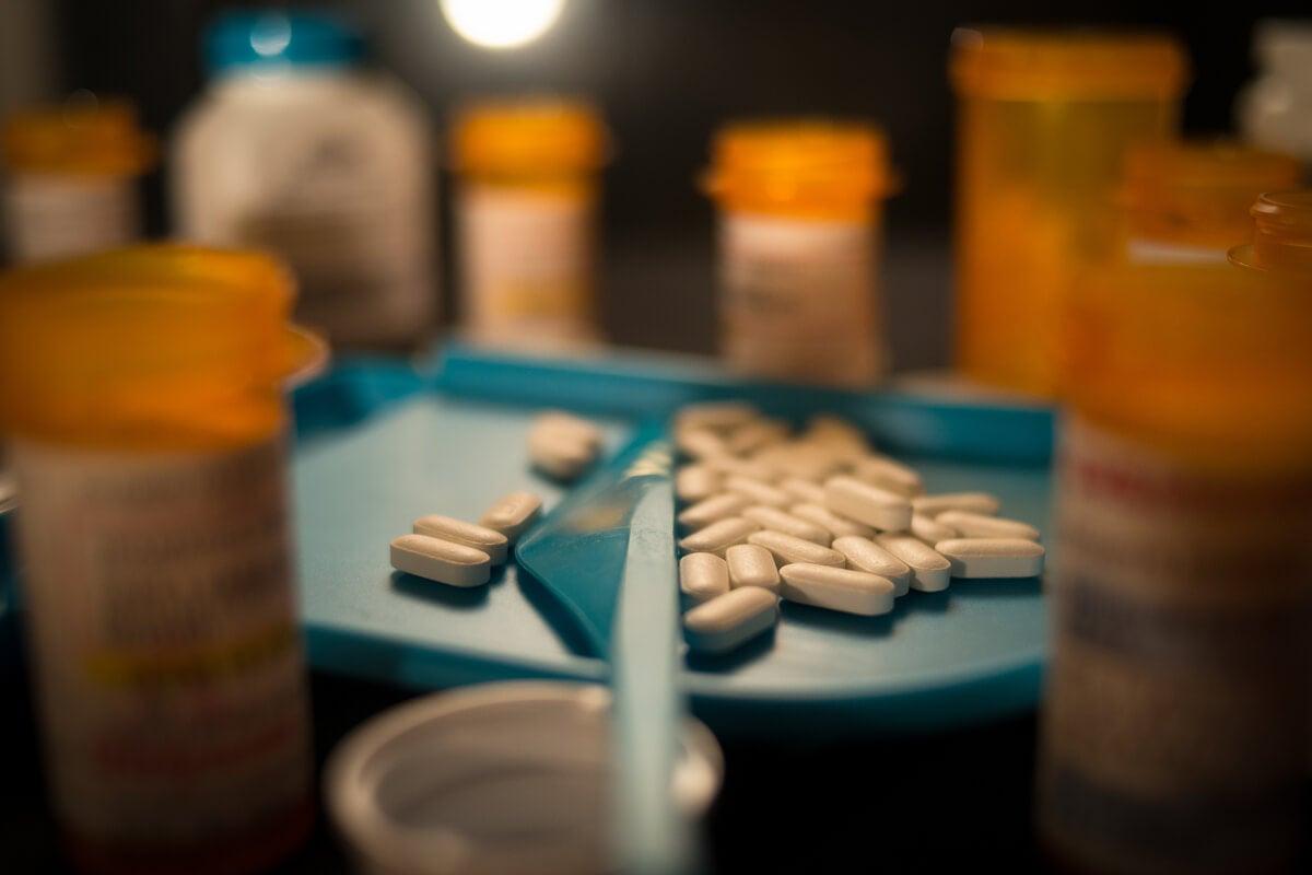 Botes de fentanilo con pastillas