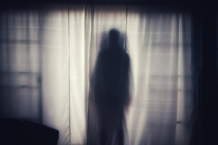 El experimento de Philip y la percepción de fantasmas