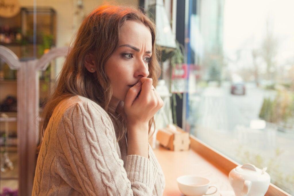 Cómo saber cuándo desconfiar de alguien: 5 claves