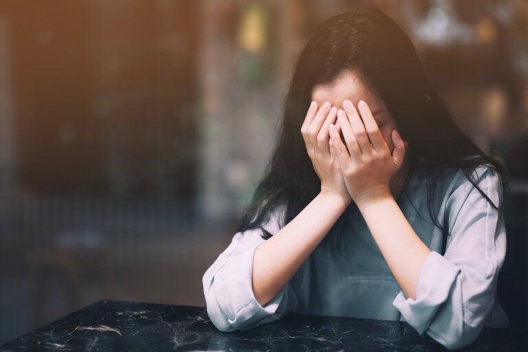 Las 6 etapas del desamor y cómo nos afectan a nivel psicológico
