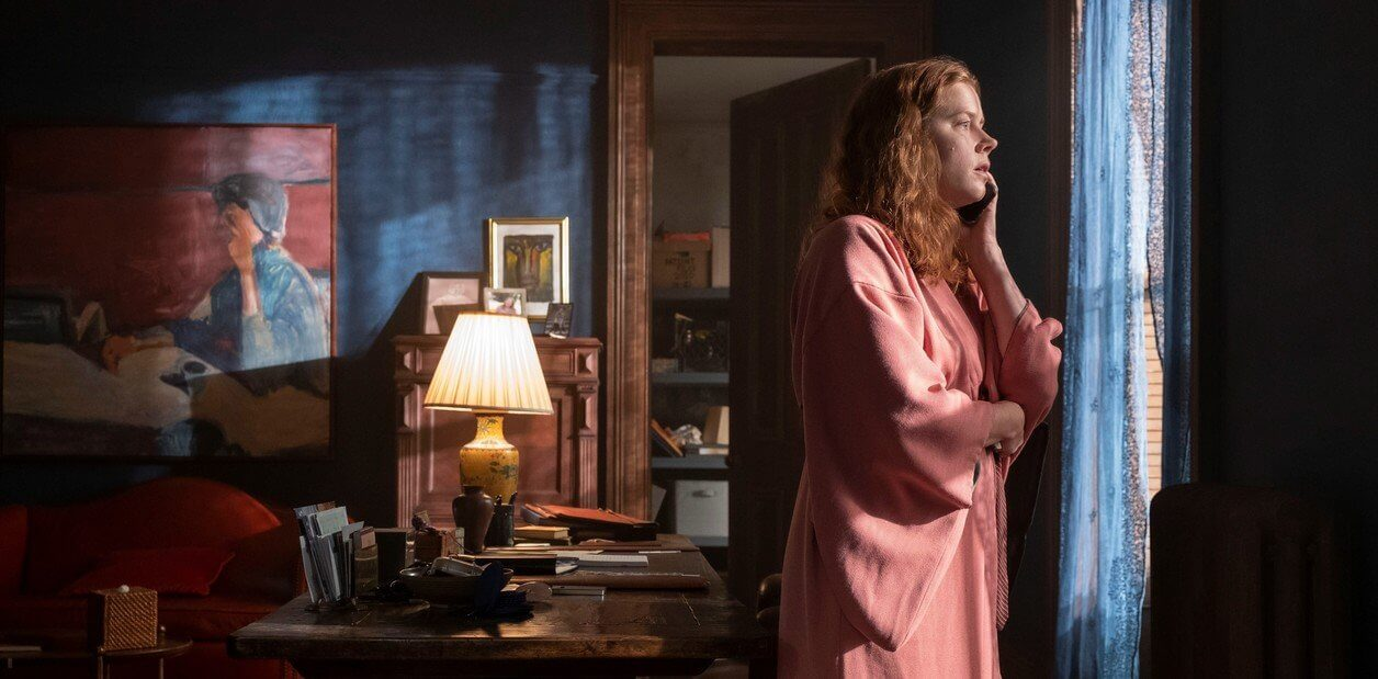 La mujer en la ventana: la agorafobia como cárcel