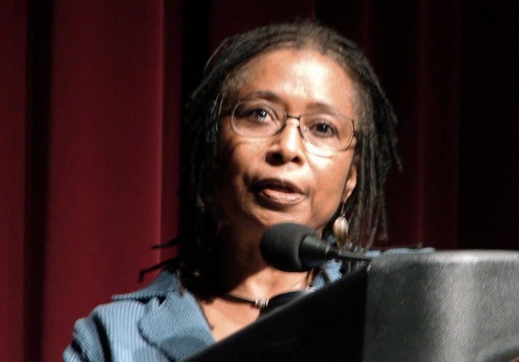 Alice Walker: la mujer que nos maravilló con su color púrpura