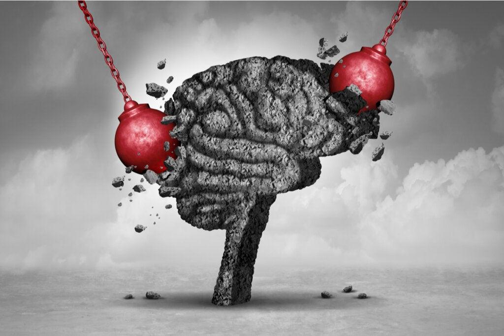 Cerebro recibiendo golpes