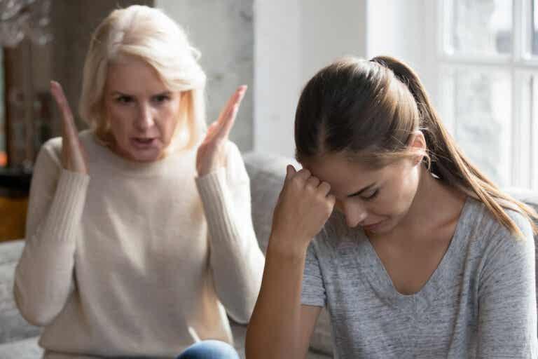 Cómo sobrevivir a la desaprobación de nuestros padres