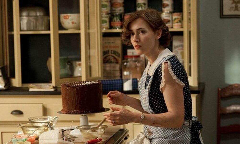 Mildred haciendo pasteles