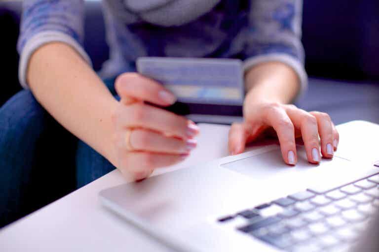Adicción a las compras online: síntomas, causas y tratamiento
