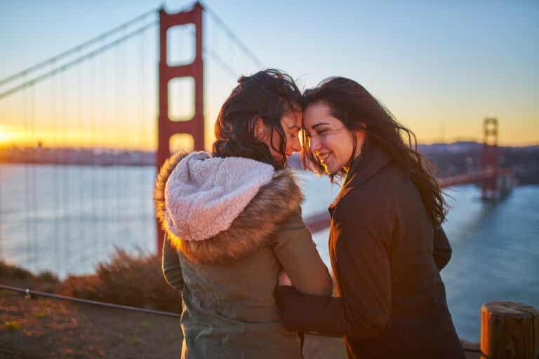 ¿Qué significa ser sexualmente bicurioso?
