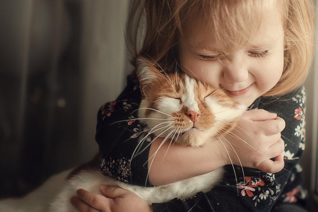 """So zieht man """"gute"""" Kinder groß: Liebe zu Menschen und Tieren"""